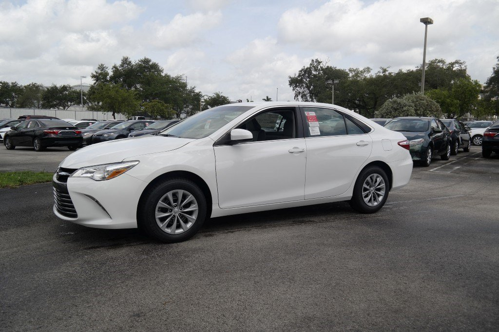 new 2017 toyota camry le 4dr car in miami m300258 toyota of north miami. Black Bedroom Furniture Sets. Home Design Ideas