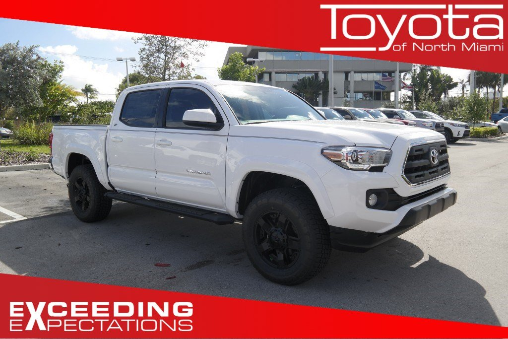 new 2017 toyota tacoma sr5 double cab 5 39 bed v6 4x4 at double cab in miami t069383 toyota of. Black Bedroom Furniture Sets. Home Design Ideas